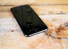 还贴什么手机膜 滴上这个神液锤子都砸不碎
